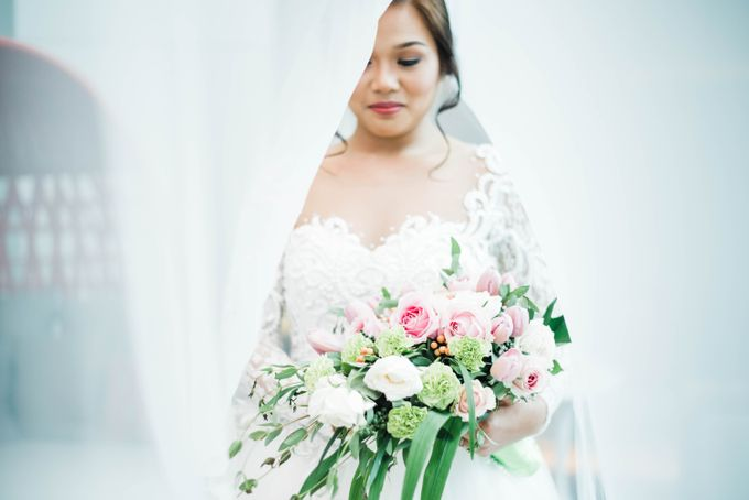 John and Mariz Wedding by The Makeup Studio by Rouchelle Battad - 022