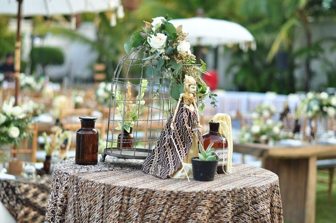 Wedding Dinner of Akta & Jinesh by The Royal Santrian Luxury Beach Villa - 014