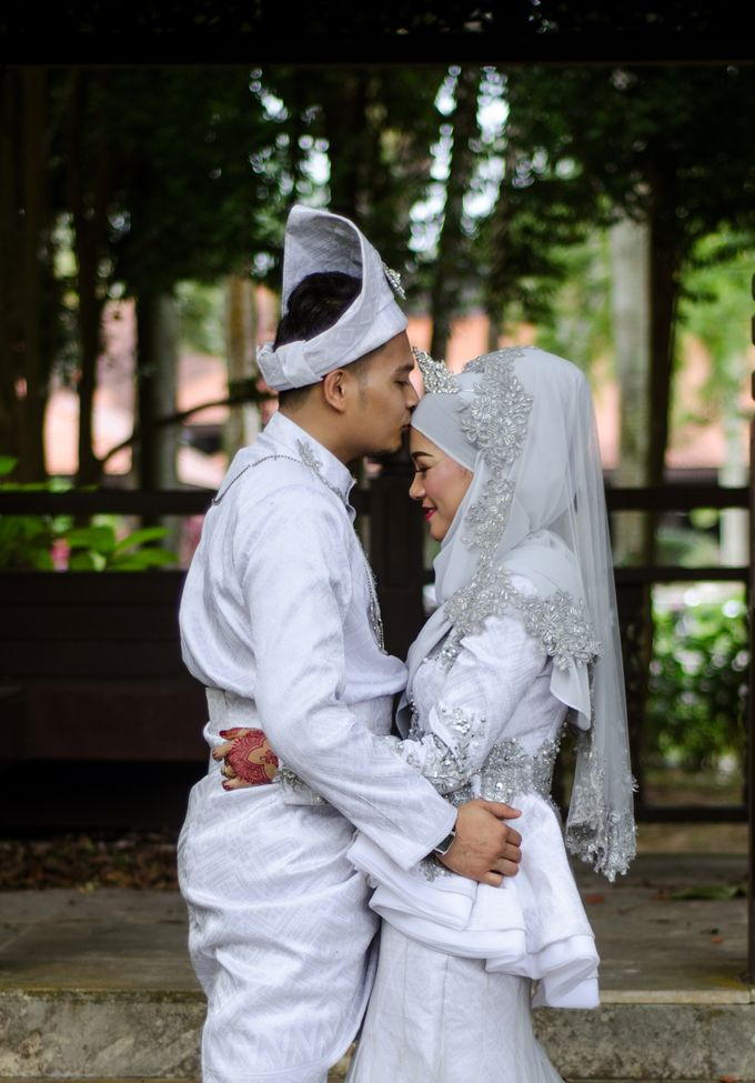WEDDING OF AISHAH & NAZIRUL by lens and moment - 001