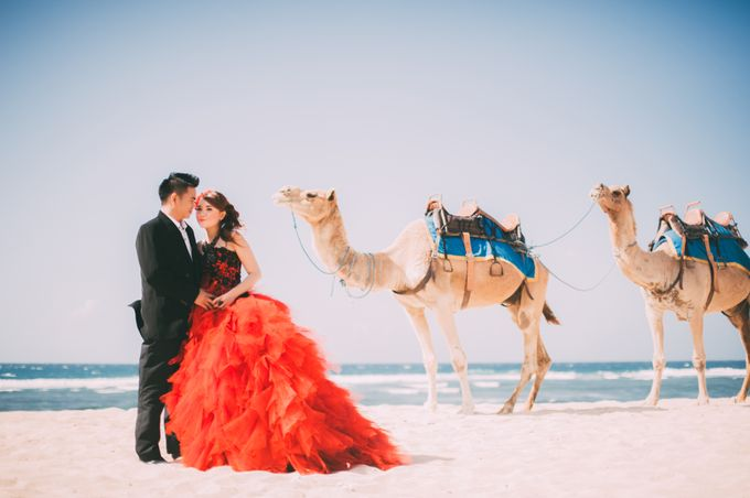 Love in Bali Camel by Mariyasa - 011