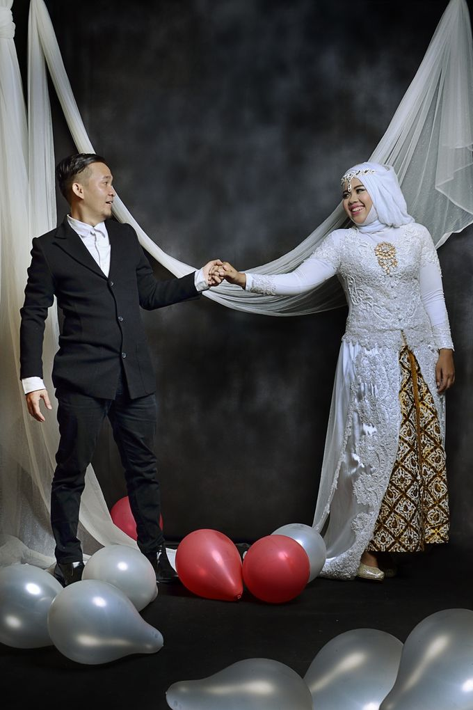 Prewedding Widya & Hafid at Beranda Photo Studio by BERANDA PHOTOGRAPHY - 012