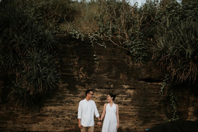 The Prewedding of Dennis & Cika by Kimi and Smith Pictures - 016