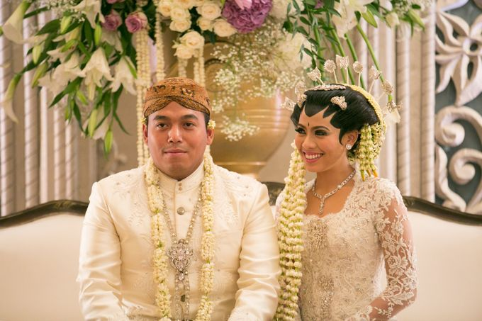 Cynthia & Raditya Wedding by Diera Bachir Photography - 006
