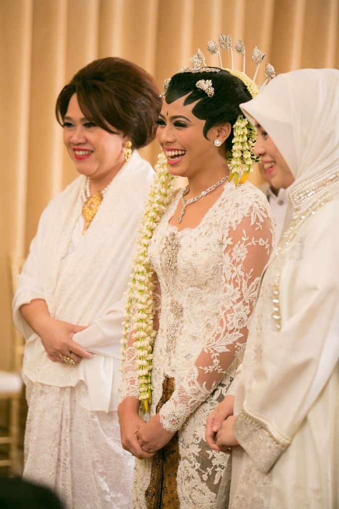 Cynthia & Raditya Wedding by Diera Bachir Photography - 007
