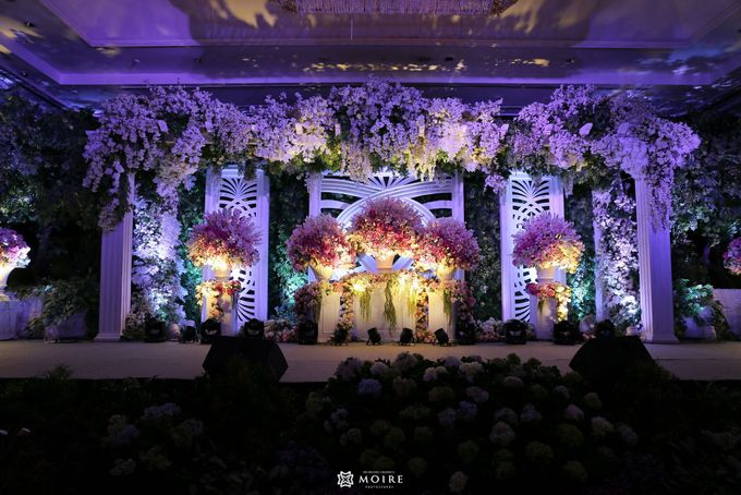 The wedding of davin lisa by project art plus wedding more add to board the wedding of davin lisa by shangri la hotel surabaya 002 junglespirit Images