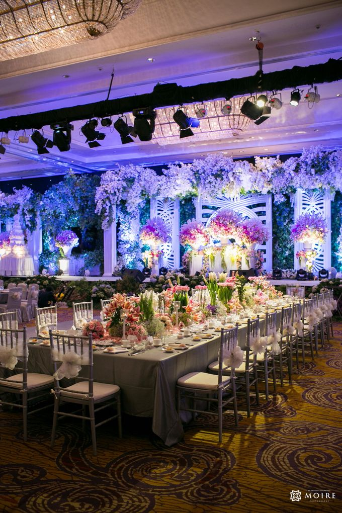 The wedding of davin lisa by project art plus wedding more add to board the wedding of davin lisa by shangri la hotel surabaya 001 junglespirit Images