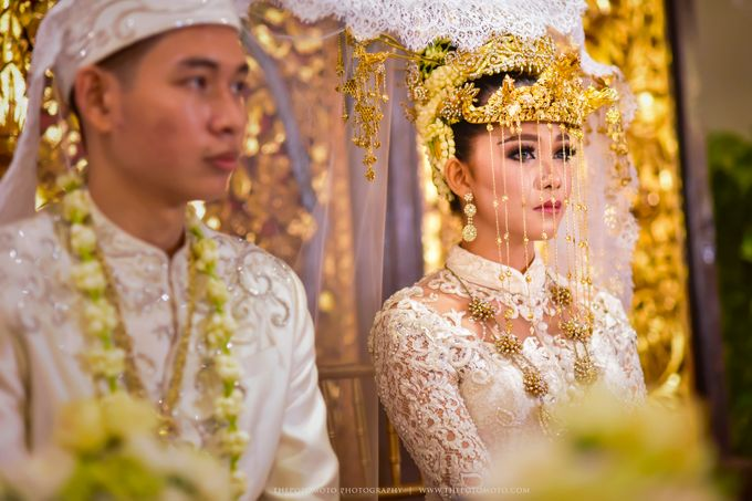 Emma + Bagus Wedding by Thepotomoto Photography - 016