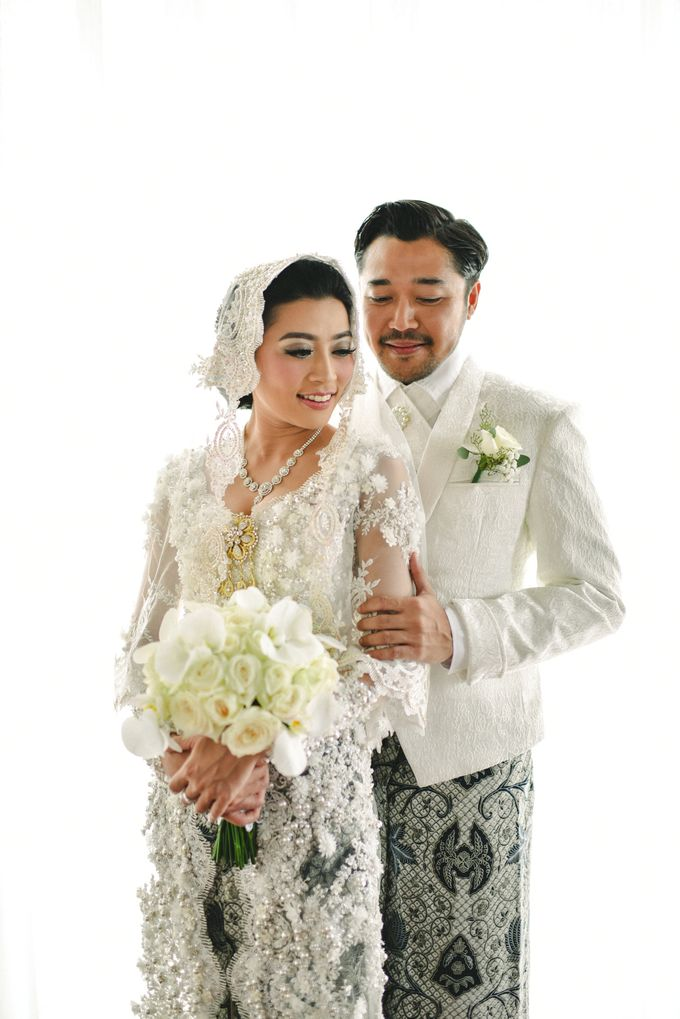 Ayu Hastari & Ryoichi Hutomo Wedding Day by Thepotomoto Photography - 010