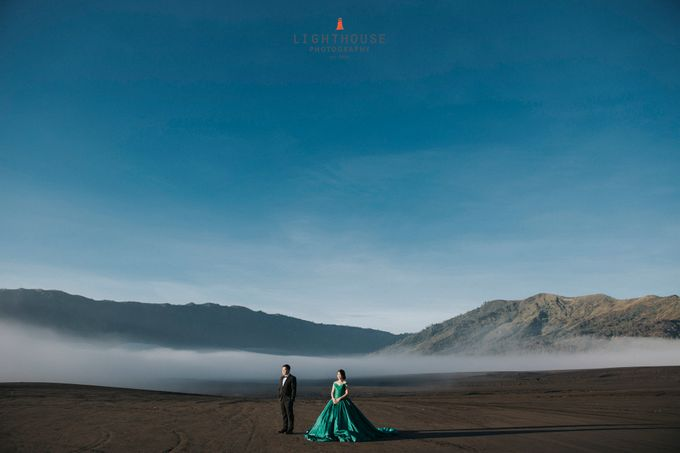 The Prewedding of Edward and Tressy - Bromo by Lighthouse Photography - 001