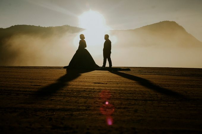 The Prewedding of Edward and Tressy - Bromo by Lighthouse Photography - 002