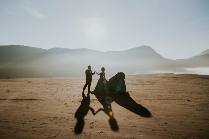 The Prewedding of Edward and Tressy - Bromo by Lighthouse Photography - 003