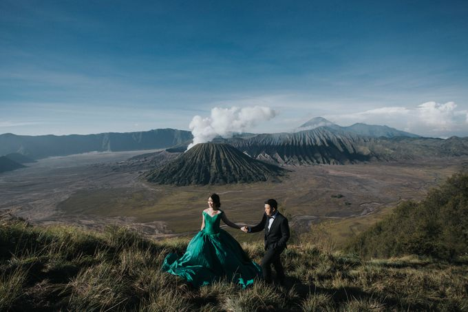 The Prewedding of Edward and Tressy - Bromo by Lighthouse Photography - 004