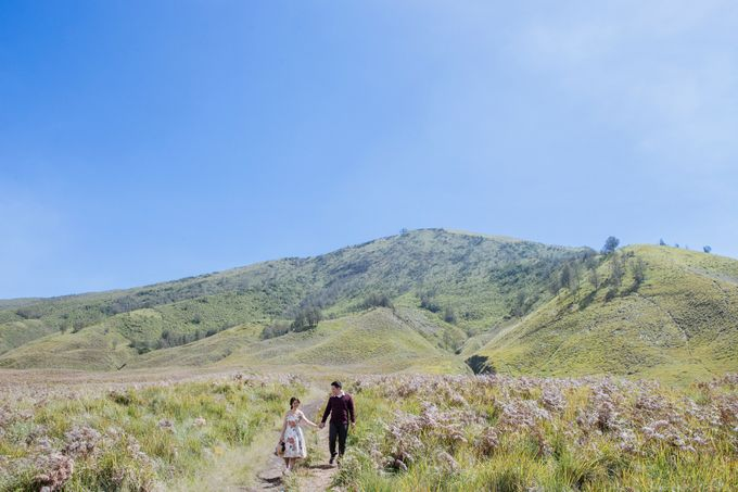 The Prewedding of Edward and Tressy - Bromo by Lighthouse Photography - 013