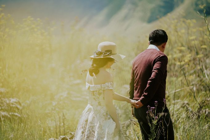The Prewedding of Edward and Tressy - Bromo by Lighthouse Photography - 014