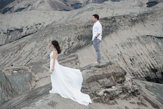 The Prewedding of Edward and Tressy - Bromo by Lighthouse Photography - 016