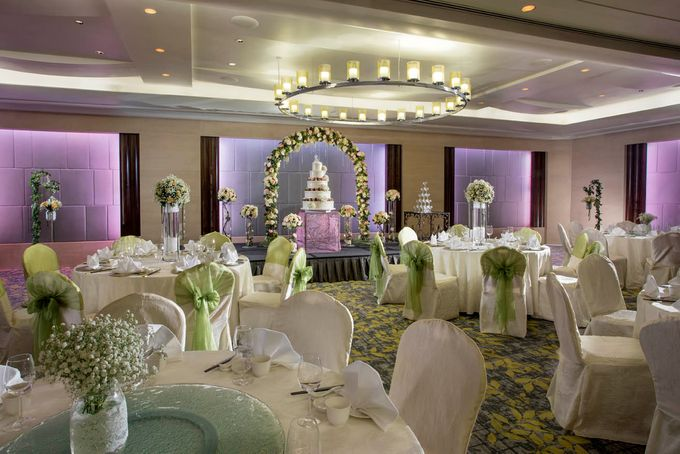 Empress Ballroom Wedding by Carlton Hotel Singapore - 002