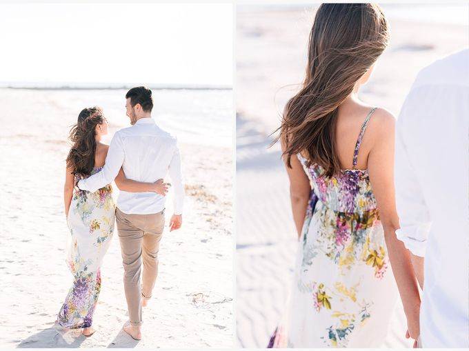 Engagement by the beach in Tuscany by PURE wedding photography - 004