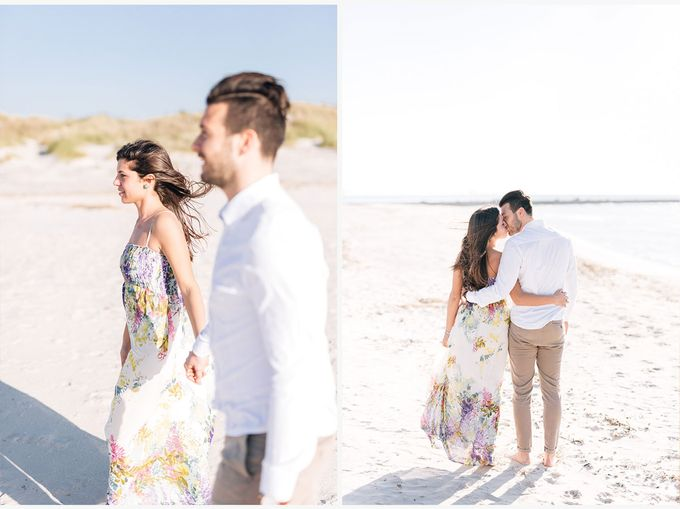 Engagement by the beach in Tuscany by PURE wedding photography - 005