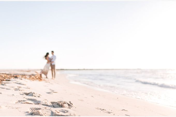 Engagement by the beach in Tuscany by PURE wedding photography - 006