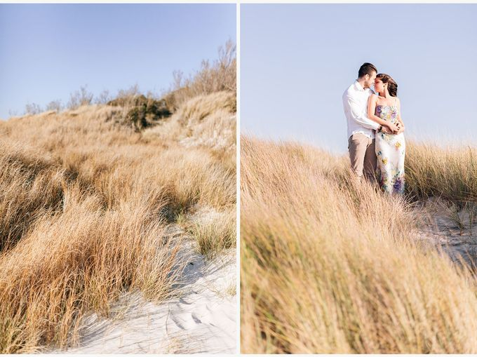 Engagement by the beach in Tuscany by PURE wedding photography - 009