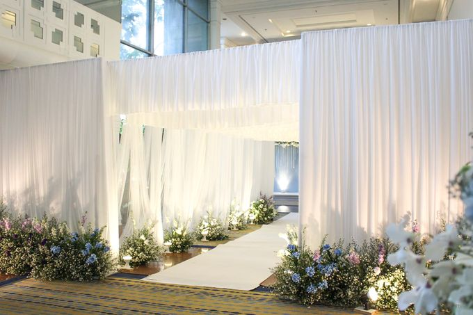 Modern Rustic Wedding Entrance Decoration by SO PRODUCTION THAILAND (EVENT & WEDDING) - 002