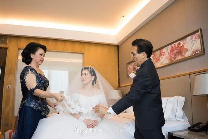 Wedding of Michael & Dian by de_Puzzle Event Management - 006