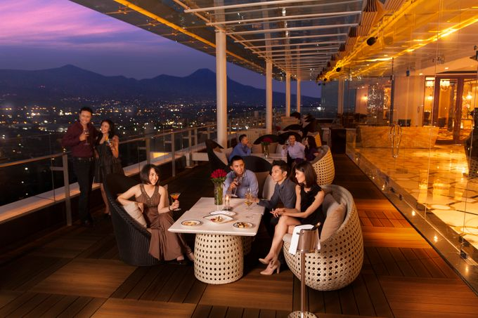 The 18 Restaurant By The Trans Luxury Hotel Bandung Bridestory Com