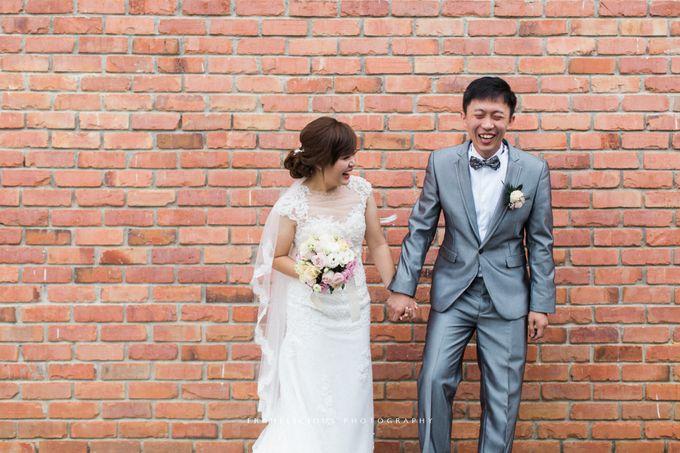 Ken & Regina - Wedding Photography by Framelicious Studio - 011