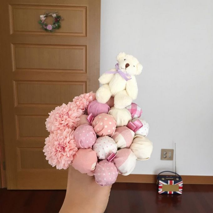 Souvenir & Favor Bouquet by La Belle Vie flower - 001