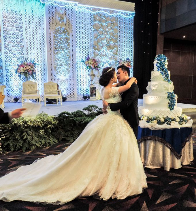 WEDDING WILLY & ALVIONITA by Stephanie Amanda Couture - 006