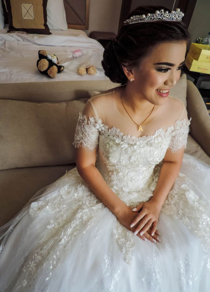 WEDDING WILLY & ALVIONITA by Stephanie Amanda Couture - 005