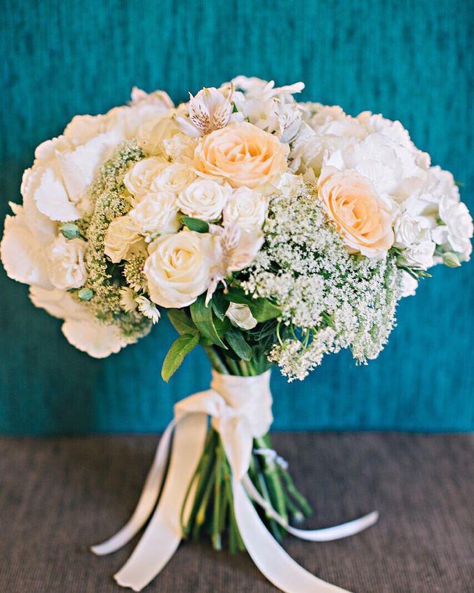 Bridal Bouquet by Fleur de Lis - 001