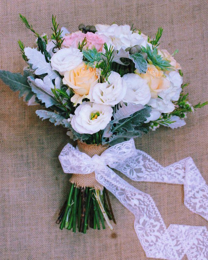 Bridal Bouquets by Ever & Blue Floral Design - 025