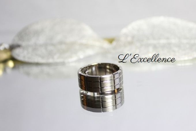 French Haute Couture Wedding Bands by L'Excellence Diamond - 003
