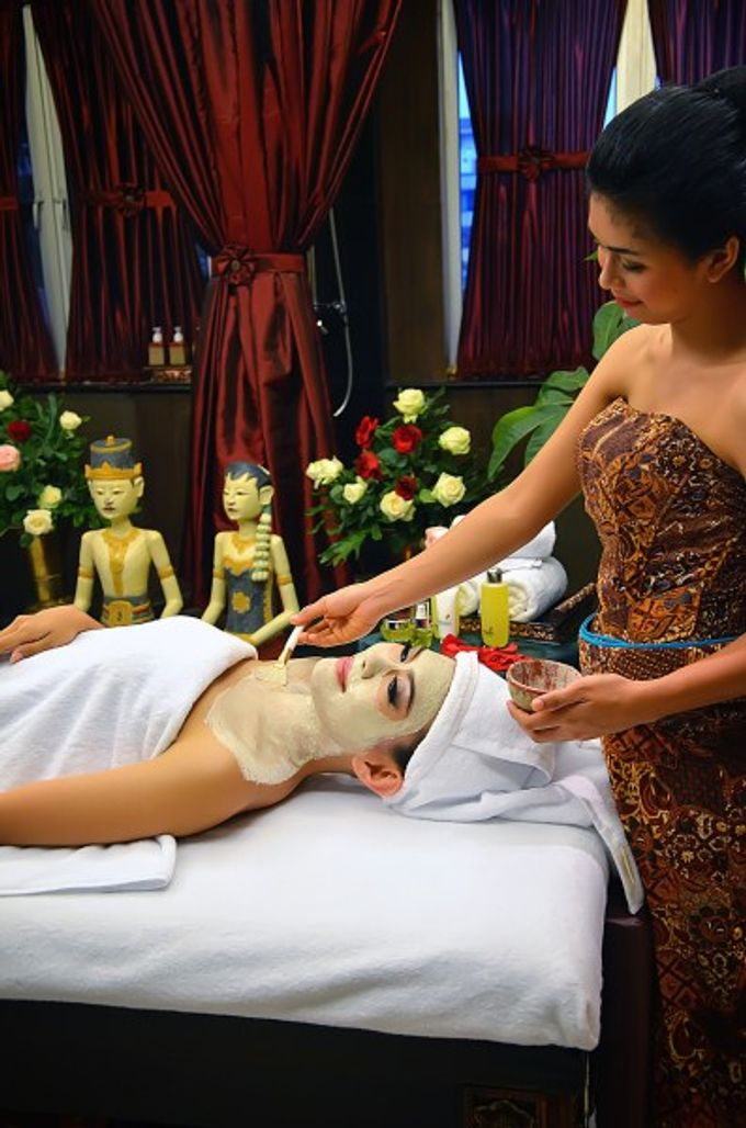 Facial Treatment by TAMAN SARI ROYAL HERITAGE SPA KELAPA GADING - 001