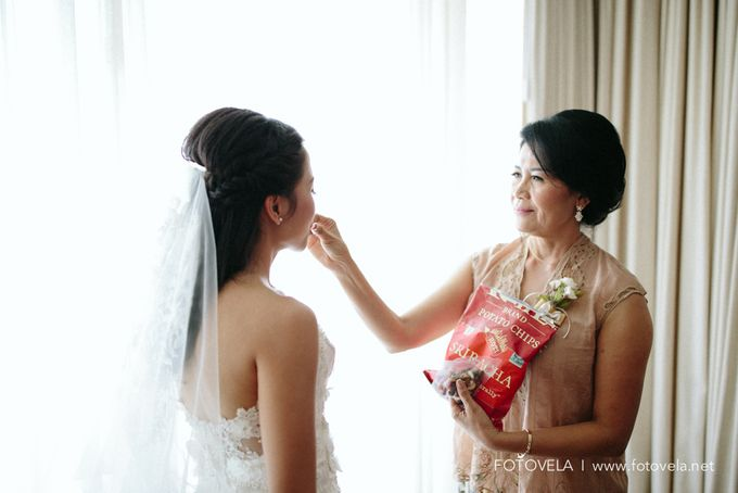 The Wedding of Richard & Ferina by fotovela wedding portraiture - 017