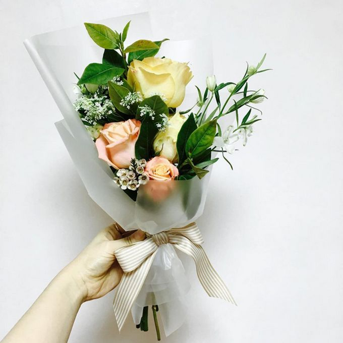 Fresh Flower Bouquet by La Belle Vie flower - 005