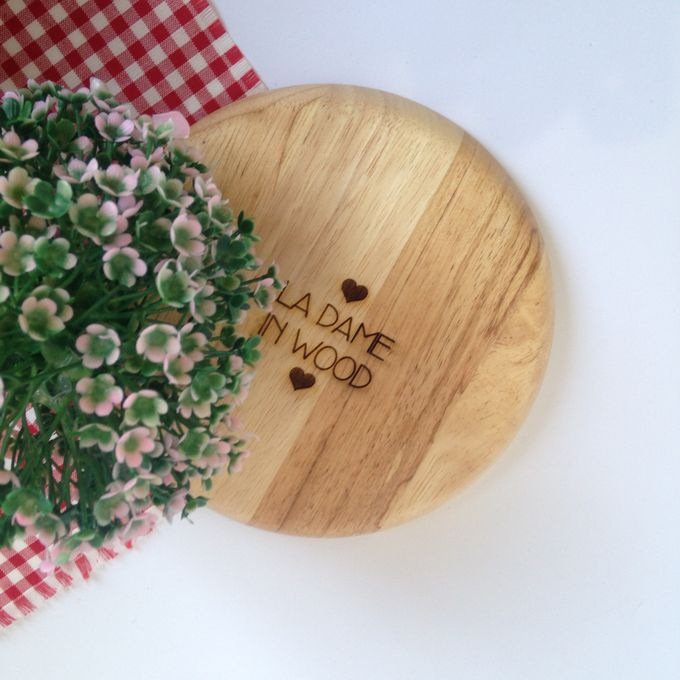 Engraved Wooden Plate by La Dame in Wood - 001