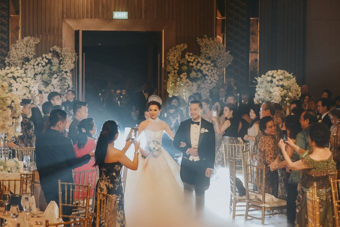 WEDDING DAY ADITYA & AGNES BY GARY EVAN by Angie Fior - 038