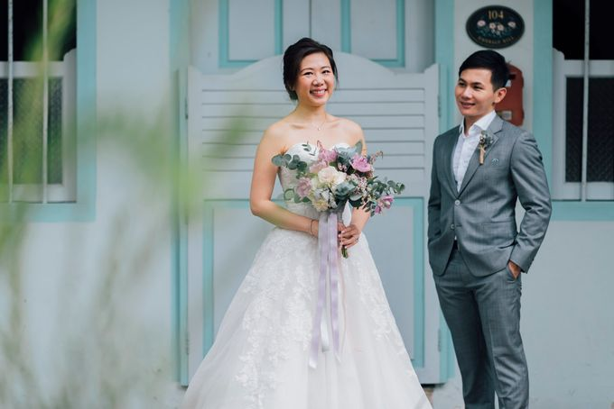 Glamorous Wedding at Gothic style Chijmes Church, Singapore by ...