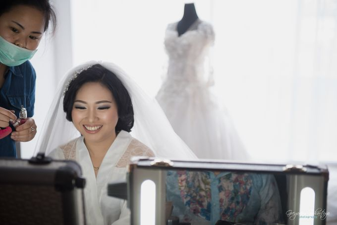 THE WEDDING OF HENDY AND RIEKE by JS Wedding Planner Organizer and Entertainment - 010