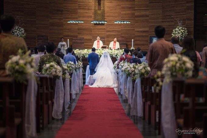 THE WEDDING OF HENDY AND RIEKE by JS Wedding Planner Organizer and Entertainment - 022