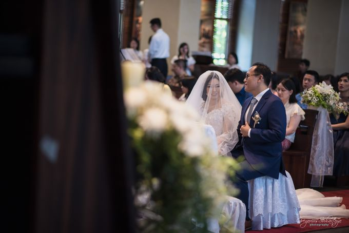 THE WEDDING OF HENDY AND RIEKE by JS Wedding Planner Organizer and Entertainment - 030