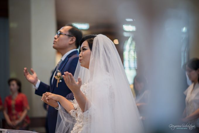 THE WEDDING OF HENDY AND RIEKE by JS Wedding Planner Organizer and Entertainment - 032