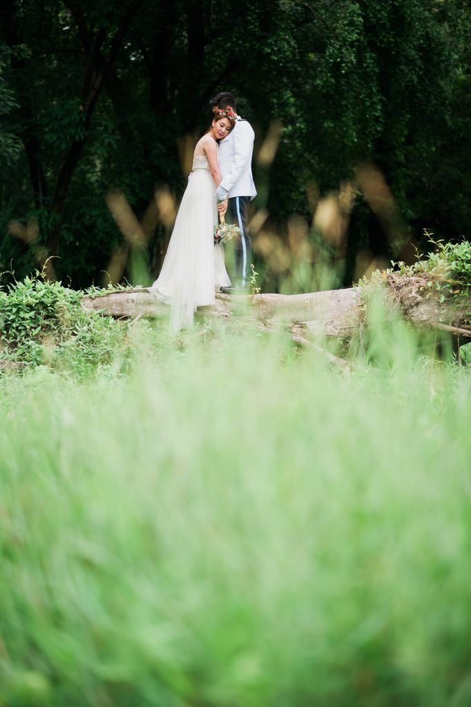 Enchanted Fairytale - Prewed Styled Shoot by Amperian - 015
