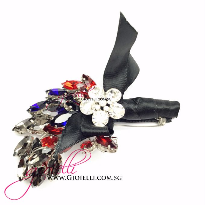 Gioielli Boutonnieres and Corsages by Gioielli Bridal Accessories & Crystal Bouquets - 003