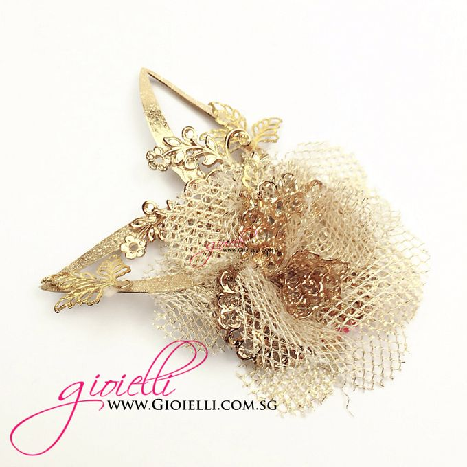 Gioielli Boutonnieres and Corsages by Gioielli Bridal Accessories & Crystal Bouquets - 006