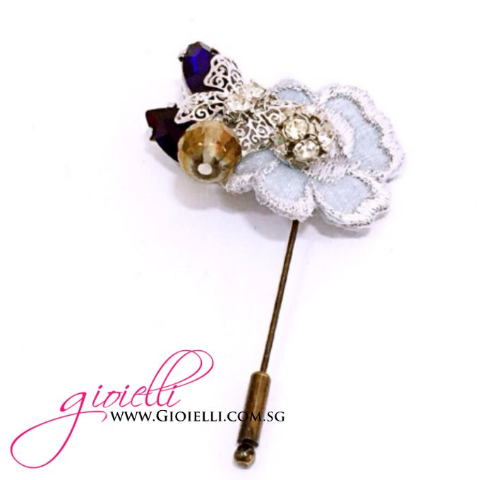 Gioielli Boutonnieres and Corsages by Gioielli Bridal Accessories & Crystal Bouquets - 008