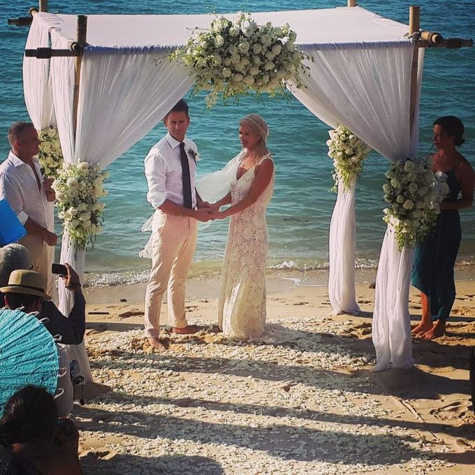 Beach Wedding in Luxury Beach Villa by Go Samui Catering - 006