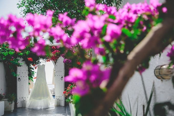 An elegant off white and peach wedding by MarrymeinGreece - 004